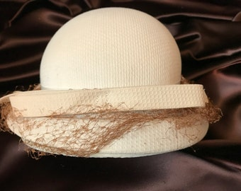 Vintage Ladies Cream Hat with Bow and Netting