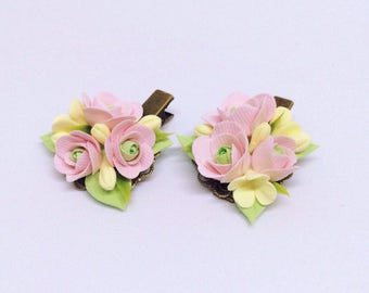 Romantic hair clips with flowers  Flower hair clip  Wedding hair clips  Hair clip Beautiful hair accessory  Gift for her