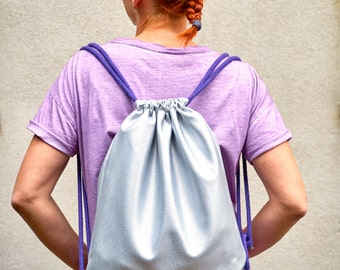 Silver leatherette, backpack, Gymsack