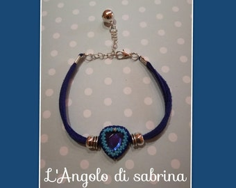 """love"" bracelet with resin heart set"