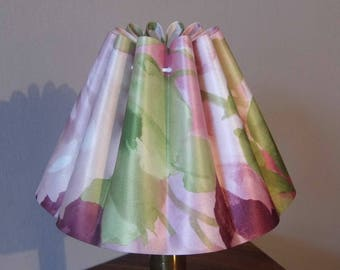 Lampshade pleated gadroon with floral decoration