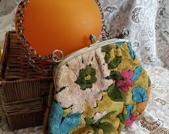 Vintage Tapestry Handbag Kiss lock purse chain handle purse