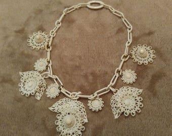 Rare Costume Jewelry Ladies Flower Necklace