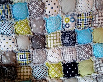 Flannel bubble baby quilt