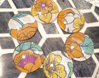 Retro Style Floral Magnets, 70s Inspired Kitchen Design, Marigold Magnets, Marigold Kitchen Decor, Glass Fridge Magnets, Floral Kitchen