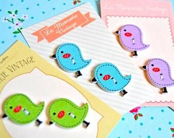 2 little bird wood buttons - green, blue, violet - 26x23mm - wood button, bird button, spring button