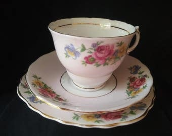 Vintage Colclough English Bone China Tea Cup Saucer & Side Plate Trio