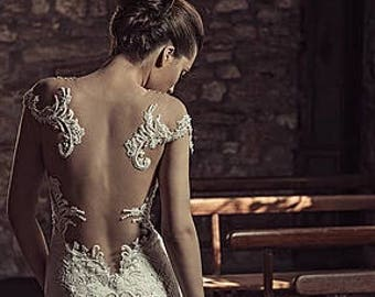 Julia Contogruni Wedding Dress With Custom Lace Detachable Train