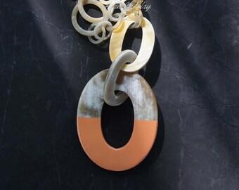 Charming horn & lacquer peach orange pantone buffalo horn necklace -  collier en corne corne de buffle