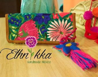 Handmade embroidered leather portfolio / portfolio ethnic / ethnic Mexican bag