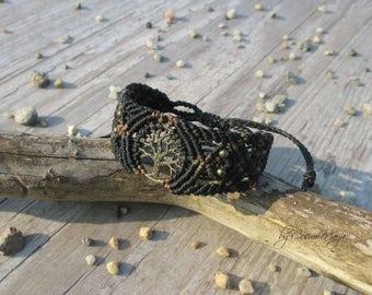 size-adjustable macrame bracelet tree of life in Black-Brown