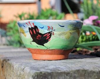 Handmade earthenware chicken bowl - Glazed & decorated