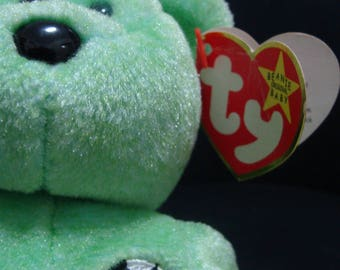 TY Beanie Baby Kicks Green Teddy Bear 1998 Retired and Very Rare