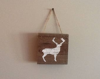 Wooden pallet sign white deer