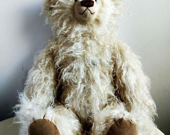 One-Off Collectible Teddy Bear 'Doo Doo' Sue Quinn. Hand-Made. Excellent Condition