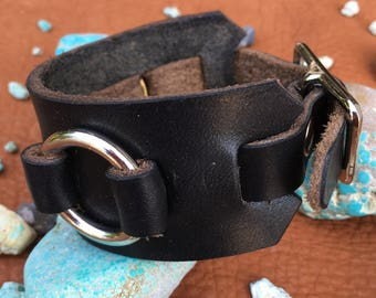 Single Wide Black Leather & O-Ring Cuff Bracelet