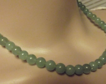 Vintage Jade Beaded Necklace  17 1/2 inches