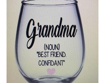 Grandma wine glass. Grandma gift. Grandmother wine glass. Grandmother gift. Gramma wine glass. Mom mom wine glass. Mom mom gift.  Gift