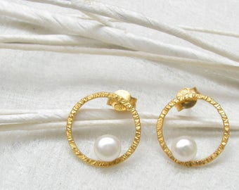 LaLune - small golden Silverbutton with  pearl