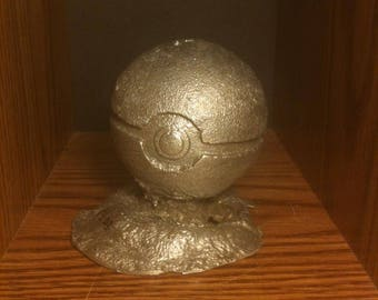 Ancient Pokeballs W/ Base - Item# 004