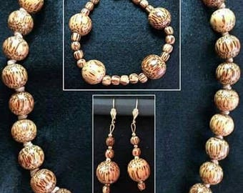 Necklace, bracelet and earrings Shahrazad-set woman in wood