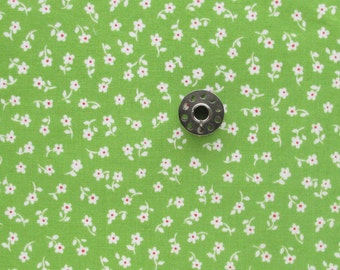 FAT EIGHTH Small Scale White Floral Ditsy Print on Green Background | Quilting Cotton Fabric from Puddle Jumpers Collection