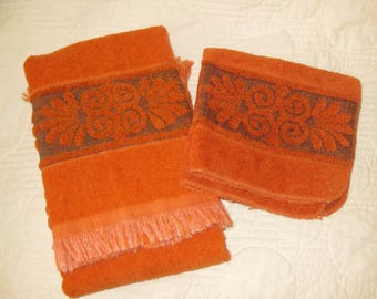 Vintage Hand Towel and Washcloth, Two Pieces, 1970s, Seventies, Retro, Terry Cloth, Bath Linens, Burnt Orange