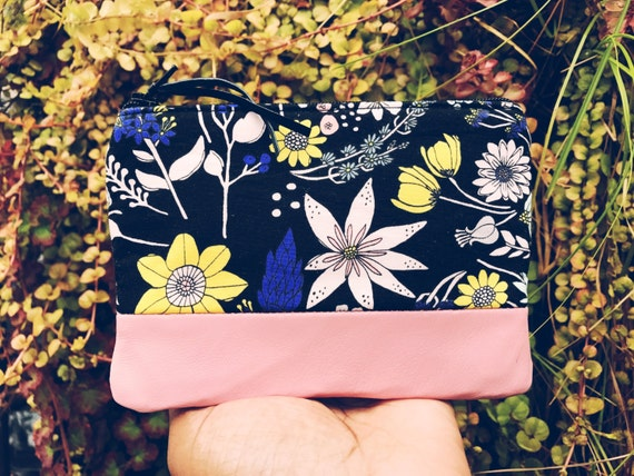 Floral Black Leather Pouch, Small Women's Leather Wallet, Zip Pouch, Small Coin Purse, Change Purse, Zipper Pouch