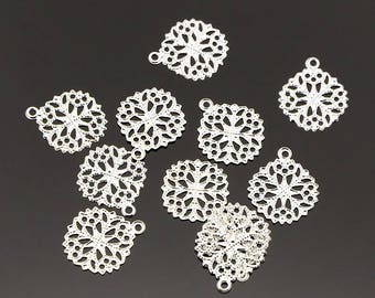 50pcs 15mm Silver Round Flower Filigree Charms O015