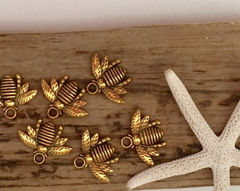 Antique gold bee charms ~ Beading supplies ~ insect charm ~ honey bees