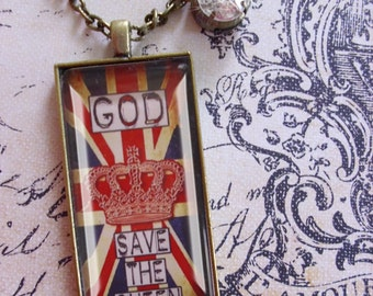 God Save The Queen,  quote pendants, gift boxed,ready to ship. UK, God save the queen, London, England, UK, Dr Who, British,English
