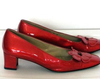 1960s Shoes / Vintage Red Patent Leather Pumps / Stuart Wietzman / Low Block Heels Sz 7