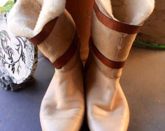Vintage womens 1980's leather sherpa lined winter boots. Size 7.5