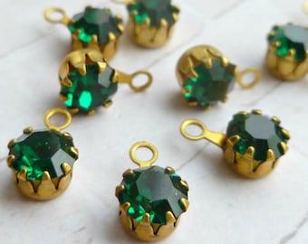 12 Vintage Rhinestone Jewel Charms - 6mm Emerald Crystal Swarovski Article #678 (6-16F-12)