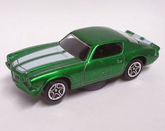 Hot Rod Magnet - 1971 Chevy Camaro Z28 : Refrigerator, Man Cave, Tool Box, Stocking Stuffer, Magnet