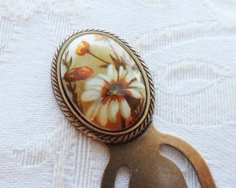 Bookmark. Vintage Cameo made in Japan, Daisy with Autumn Colors and Flowers