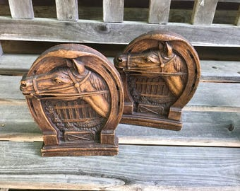 2 Old Horseshoe Horse Head Game Stick Fence Vintage Syroco Bookends Set