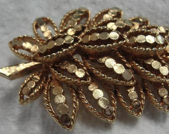 Beautiful Gold Tone Leaves Brooch