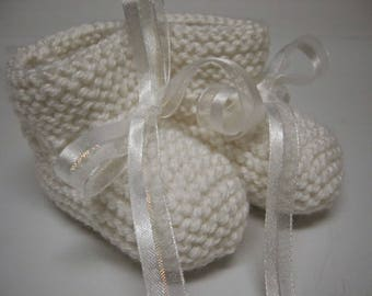 Baby Girl Booties, Hand Knitted Booties, Newborn Booties, Baby Girl White 0 to 3 months Booties, White Booties, Infant Booties, White Ribbon