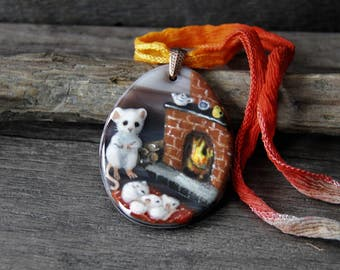 Reserved for Joanne - Amazing Beautiful mouse mom and babies - fire place Necklace, unique fused glass pendant, Art jewelry,