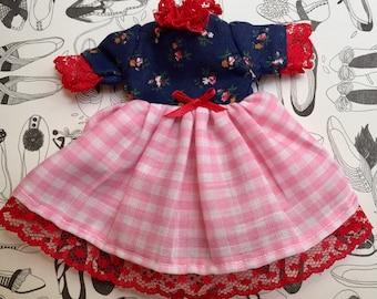 Lovelace vintage dress for blythe