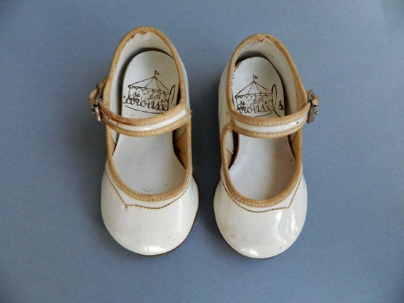 Vintage White Patent Leather Mary Jane Doll Shoes by Carousel