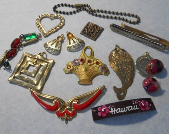 Junk jewelry, parts jewelry, lot of jewelry, broken jewelry, craft jewelry, vintage jewelry