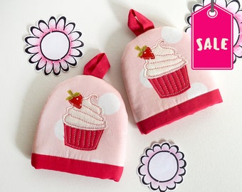 Egg Cosy Set, Cupcake Egg Cosy, Gifts for Bakers, Gifts for Cake Lovers, Strawberry Cupcake
