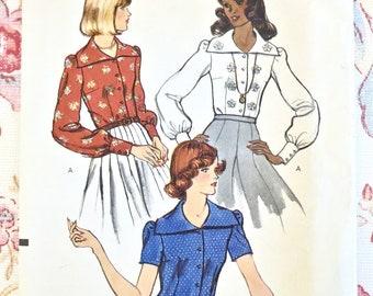 Vintage 1970s Womens Blouse Pattern - Vogue 8778 - Wide Collar Button Front