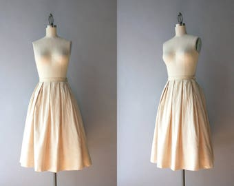 1950s Silk Skirt / Vintage 50s Pale Pleated Nude Silk Skirt / 1960s Full Skirt S small S/M