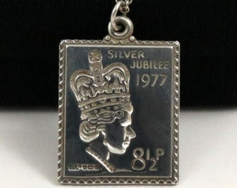 Vintage Queen Elizabeth II Silver Jubilee 1977 Sterling Silver Stamp Pendant Necklace in Original Box