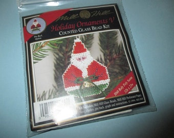 Mill Hill Beaded Holiday Pin or Ornament Roly Poly Santa Kit H60