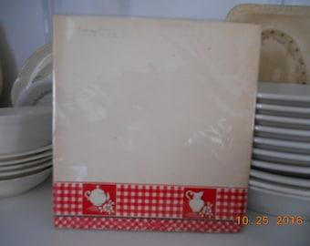 1938 Sealed Never Used Kitchen Shelf Paper Red White Black