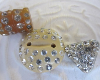 Vintage buttons, lot of 3 assorted mid century modern  large with rhinestones (jan05-17 )